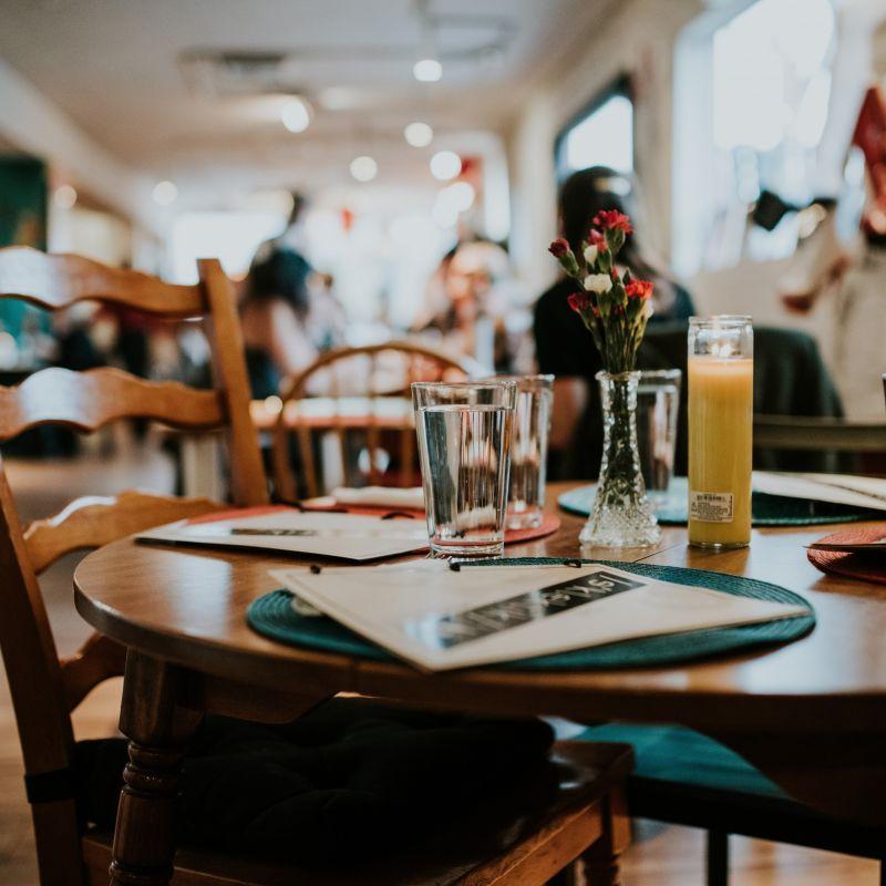 Come aiutare i ristoranti di Milano: comprando oggi la cena di domani