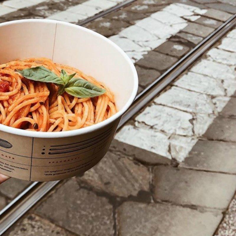 Basta pizza nel cartone: Milano e la pasta take away