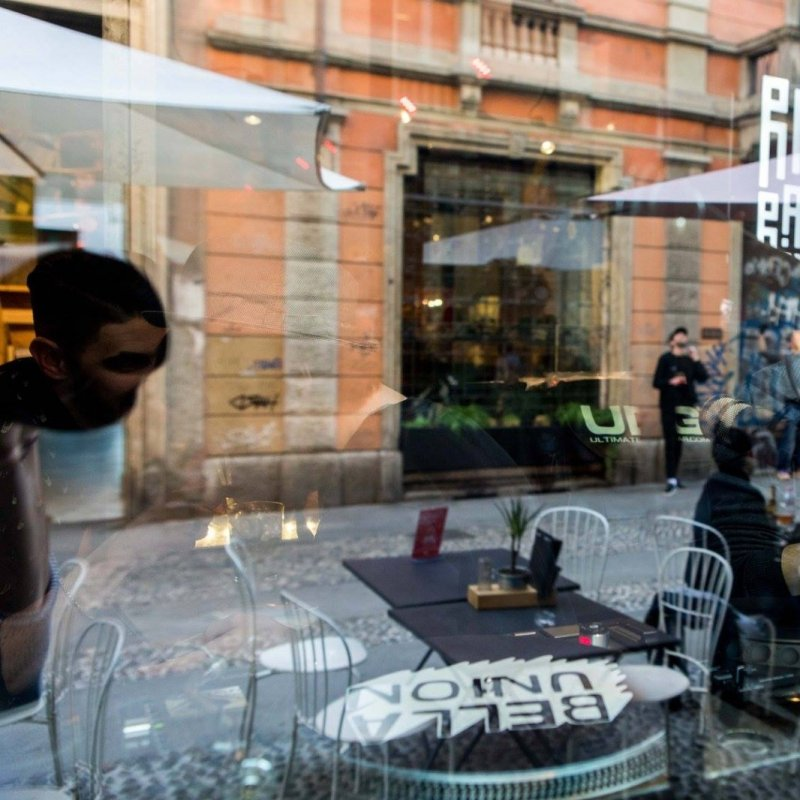 Aperitivo sui Navigli a Milano: ecco dove andare sempre sul sicuro