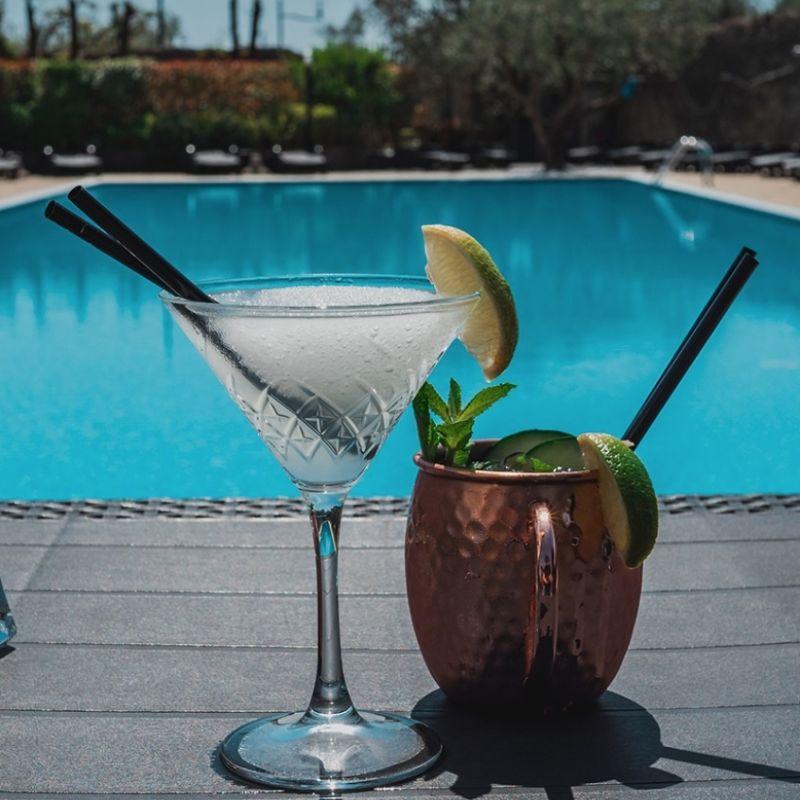Sul Lago di Garda apre un nuovo cocktail bar e bistrot con piscina