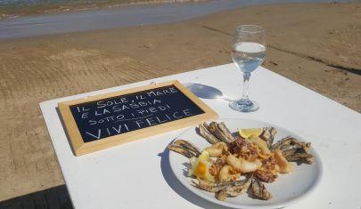 A Pescara si mangia con i piedi nella sabbia: i ristoranti per un pranzo in riva al mare