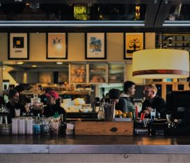 Com'è la situazione di bar e ristoranti in Europa? L'indagine Fipe