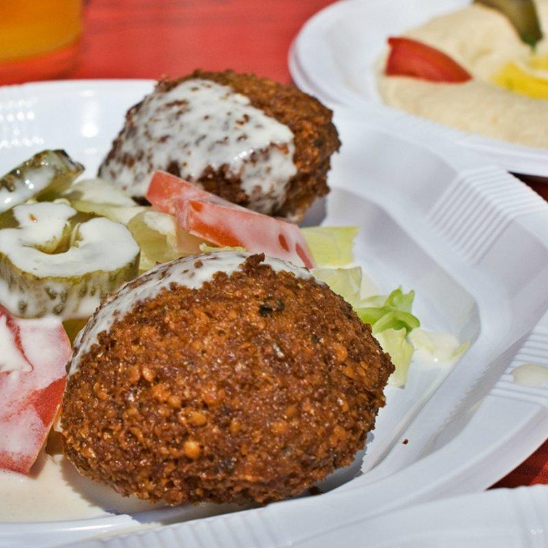 A Milano come nel Marais di Parigi: i locali in cui ordinare un falafel perfetto