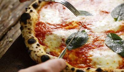 3 + 1 modi di mangiare la pizza in pigiama: i delivery del Veronese