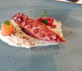 Tutto un altro pesce. Ecco Le 7 meraviglie di Host Restaurant a Fiumicino da ordinare per una cena speciale