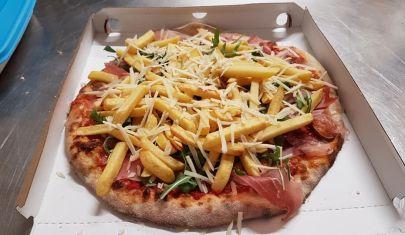 """Asporto e consegna a domicilio: quali sono le pizzerie """"salvavita"""" (o """"salva-sbronza"""") di Venezia?"""