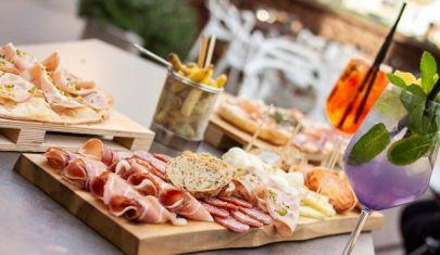 I Castelli Romani sono ancora sul pezzo: beccate 'sti 5 aperitivi in Piazza