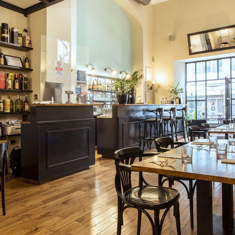 A Roma ha aperto un ristorante di cucina tradizionale con materie prime a km 0: il sogno gastronomico di due amici intraprendenti
