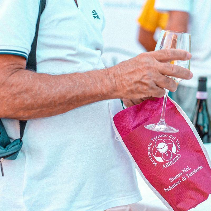 Torna Cantine Aperte, uno degli eventi del vino più amati. In 14 regioni