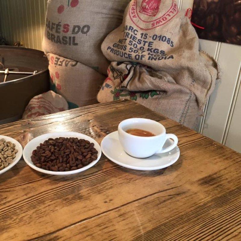 Perché dovresti bere il caffè in torrefazione e dove farlo in Veneto