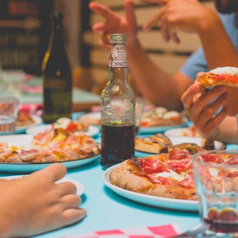 In piazza, in giardino o in terrazza: a Firenze la pizza conquista gli spazi all'aperto