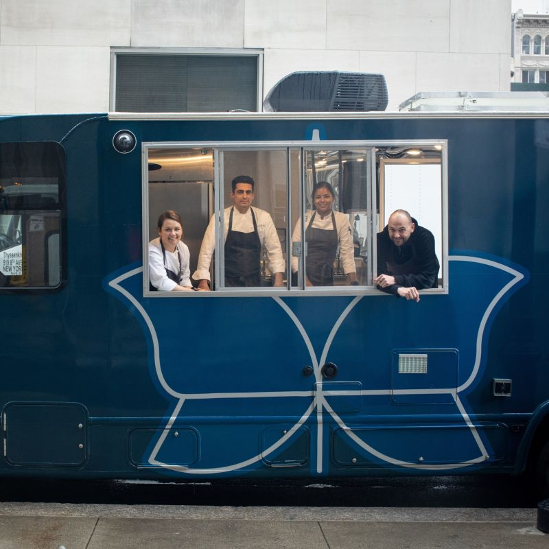 ​A New York lo chef Tre Stelle Michelin cucina in truck per la comunità