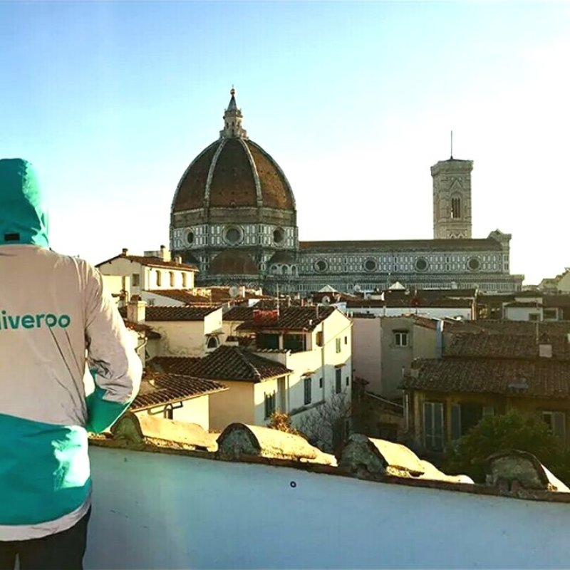 Basta con la solita pizza nel cartone: Firenze e la consegna a domicilio alternativa