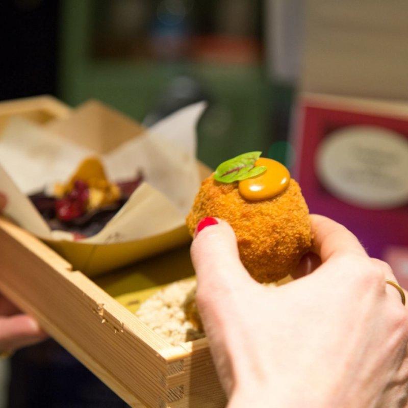Non il solito fritto, a Firenze trionfano cuoppi, coccoli, montanare e arancini