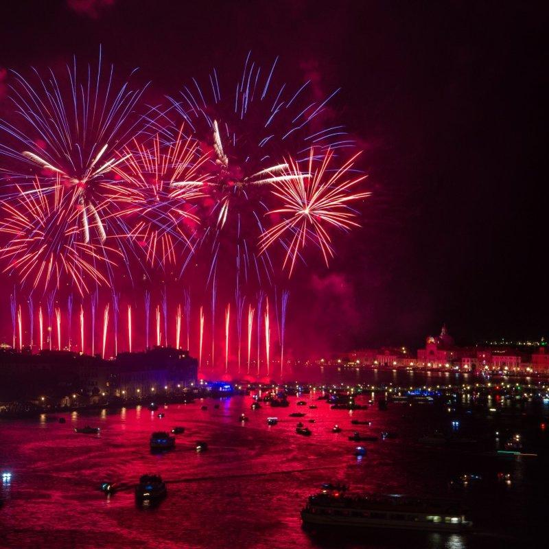 Quest'anno niente sgomitate: a Venezia il Redentore si guarda in terrazza