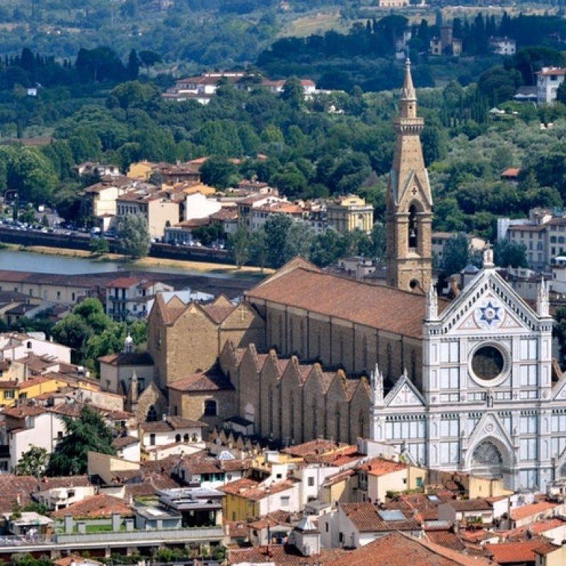 Come evitare le trappole turistiche (senza spendere una follia) se vuoi mangiare a Santa Croce e dintorni