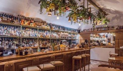 Come conoscere il mondo con un drink: viaggio nel gusto sulla costa a Nord di Bari