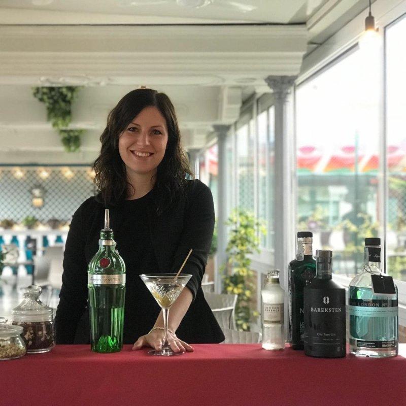 Ha creato il 'cocktail garden' di Jesolo. E ora Marta, Al Botanico, se la gode