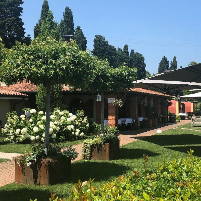 5 indirizzi dove godersi un pranzo in giardino nel Veronese
