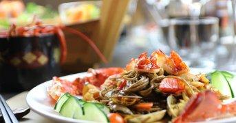 Perché possiamo continuare a mangiare tranquillamente, e bene, nei ristoranti cinesi e giapponesi