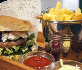 "Cult Burger and Things - Una cena a base di burger e ""cose"" buone"