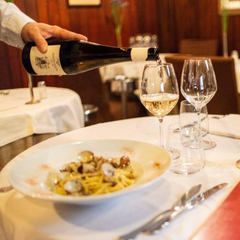 Classicone veneziano: per la romanticata dura si va a mangiare il pesce