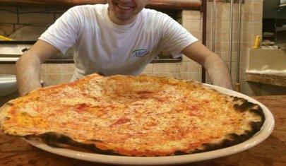 Quando le dimensioni contano: 6 posti a Treviso e provincia dove la pizza battuta è super
