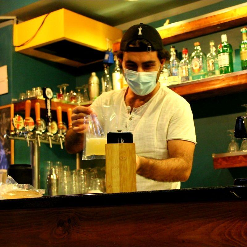 Il primo cocktail bar virtuale è lo Star Zagros Kebabbar di Milano