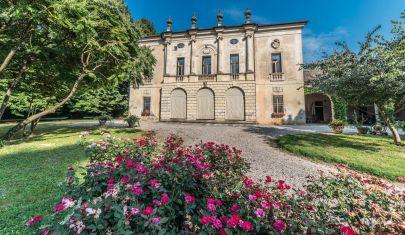 Foliage, le magiche atmosfere d'autunno in 6 dimore storiche del Veneto