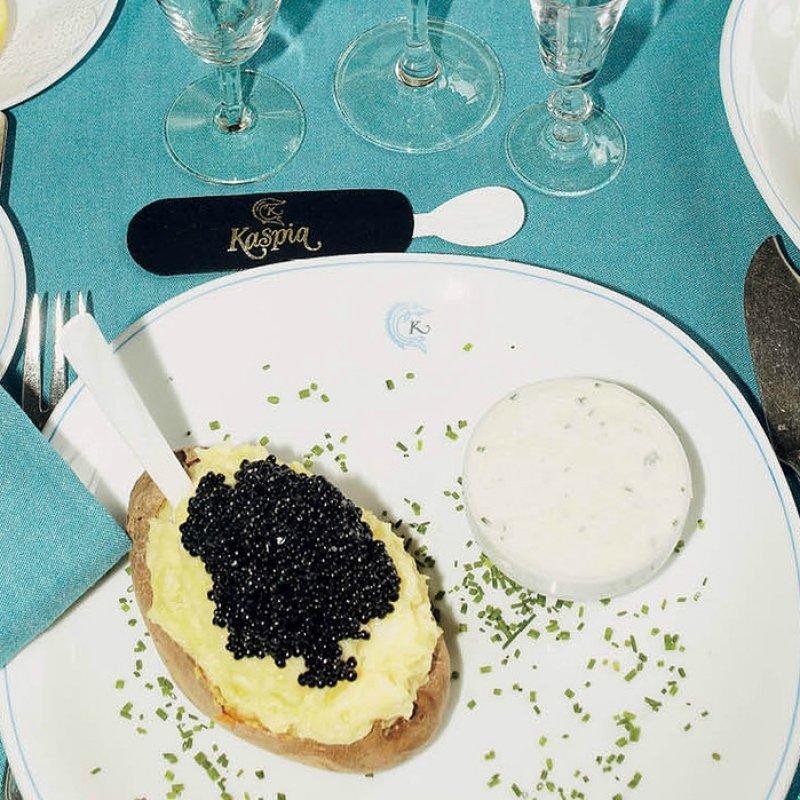 Caviar Kaspia (Si, quello lì) a Roma: una cena panoramica e ultra chic a base di Beluga Royal