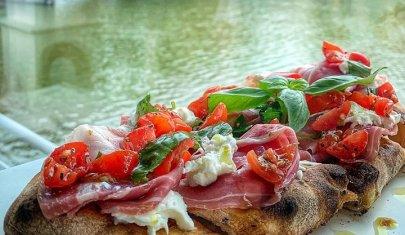 Se non scrocchia non è pinsa: dove mangiare a Firenze una pinsa degna di Roma