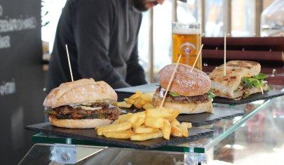 Come lo street food ti salva la pausa pranzo: mappa dei chioschi, botteghe e food truck di Verona