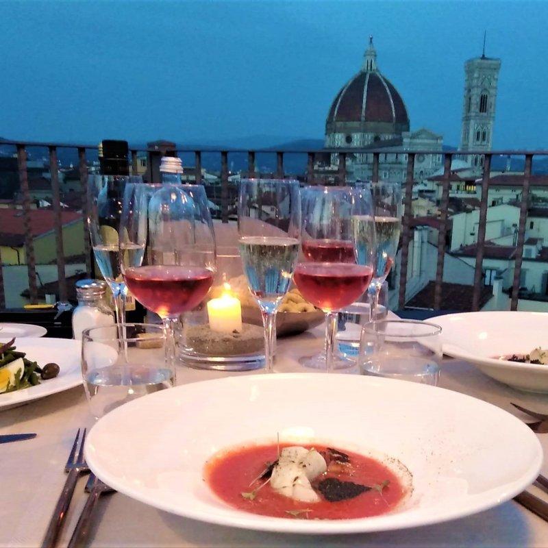 L'estate di Firenze vissuta dalle terrazze del B-Roof: i dettagli di una serata indimenticabile