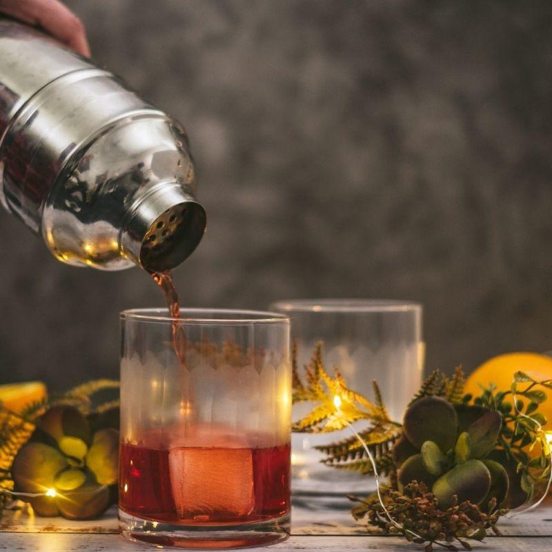 I cocktail italiani più famosi: le ricette da conoscere e provare (anche a casa per le feste)