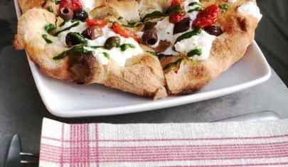 La romana è la nuova napoletana: perché ordinare una pizza in pala a Treviso e dintorni