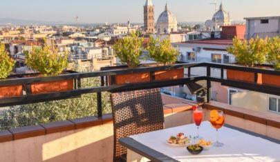 A Roma ha riaperto questo rooftop restaurant per la stagione estiva