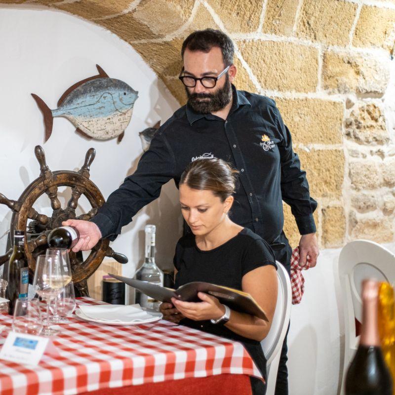 Un sommelier che ama il mare: intervista a Fabio Mercuri responsabile di sala a Gallipoli