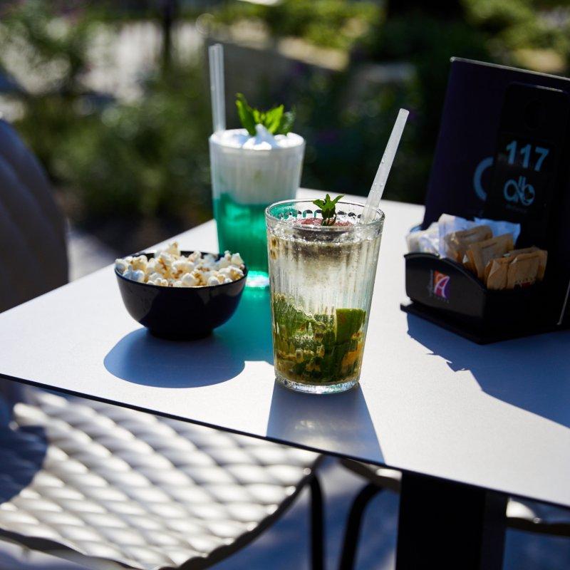 Signori siamo agli sgoccioli: i cocktail bar da provare prima che l'estate jesolana finisca