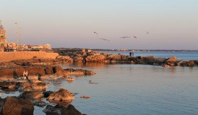 Il mare d'inverno: aperitivo a Gallipoli quando i turisti se ne sono andati