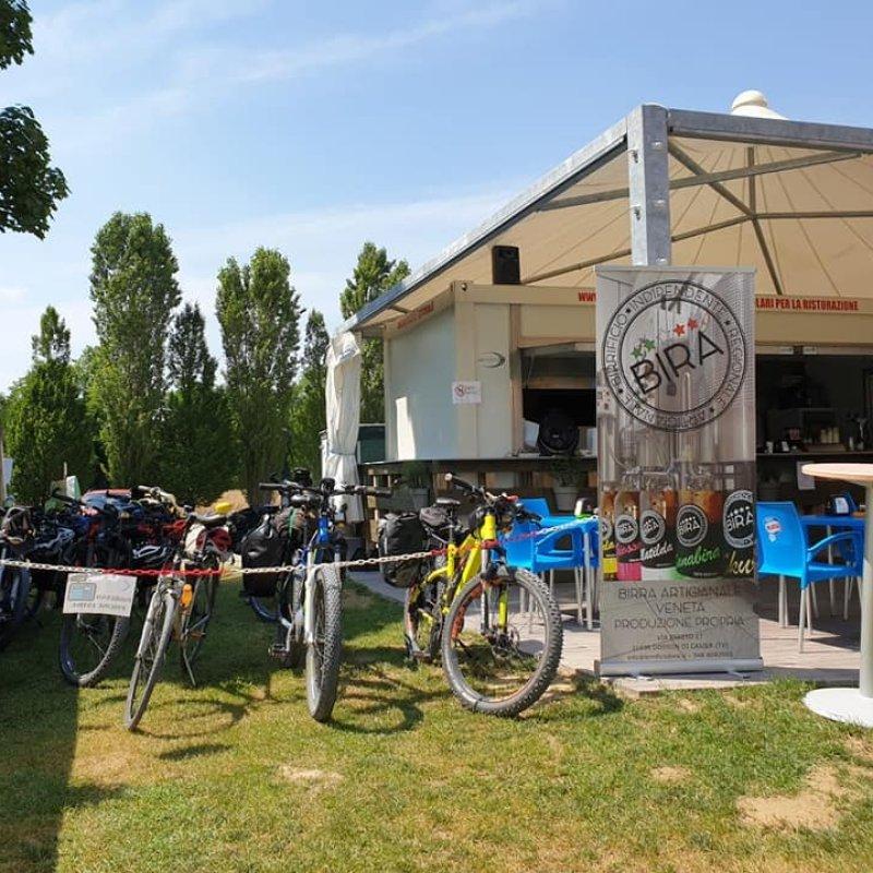 Al Sile: il chiosco di Casale per ciclisti, bagnanti e festaioli