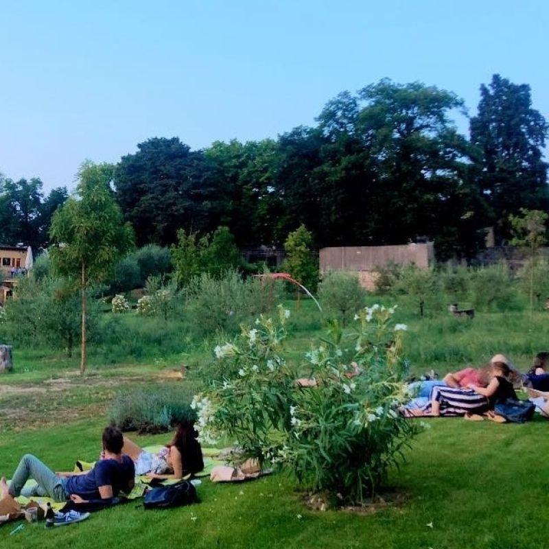 """Aperitivo in giardino a Firenze: 10 location """"green"""" per l'happy hour in città"""