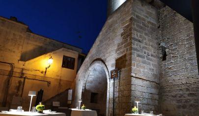 A cena sotto le stelle nei centri storici del Salento: : dove passato e presente si incontrano in cucina