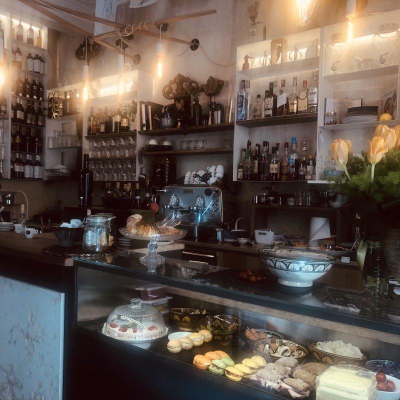 Samuela Minto ha inventato Lo Scultore Café, il bistrot & lab di scultura dove la noia non esiste