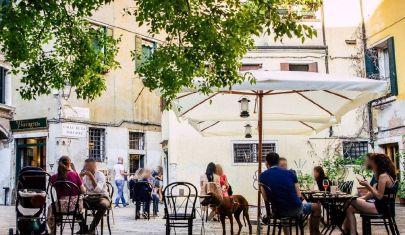 A Venezia l'aperitivo non è bello se non scatta nel campiello