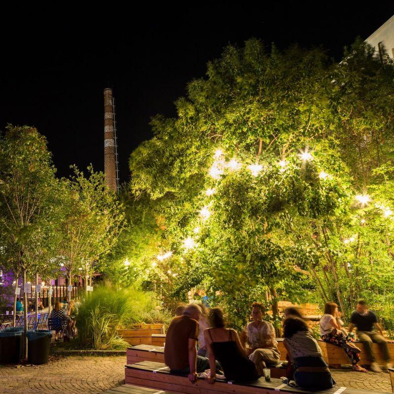 Colazione a piedi nudi nel parco e aperitivo sotto le stelle: la lunga estate delle Cascine a Firenze