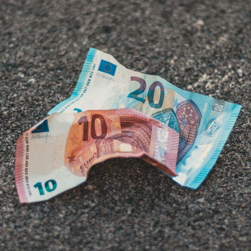 Black Friday e italiani: fra occasioni e rischio di indebitamento