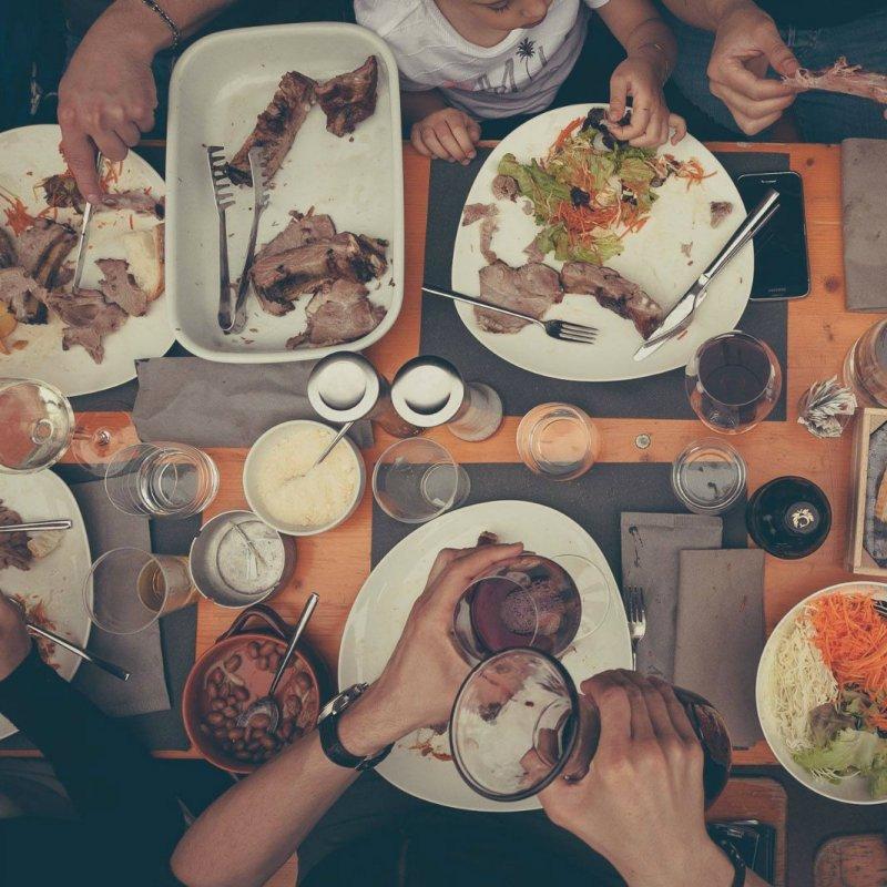 Tempo di grigliate all'aperto: 9 locali trevigiani dove addentare una salsiccia è un dovere