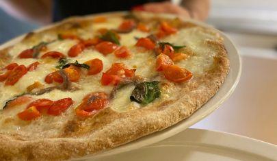 Croccantina, napoletana, romana e fritta: 7 pizze da mangiare all'aperto a Padova e dintorni