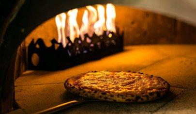 La carbonara domani: oggi mi sfondo di pizza a Monti