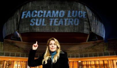 """""""Facciamo luce sul teatro"""": la mobilitazione nazionale per lo spettacolo dal vivo"""
